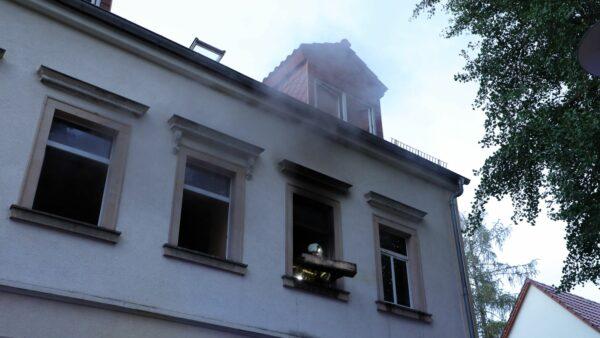 In dem Mehrfamilienhaus an der Bachstraße hat es gebrannt. Foto: Roland Halkasch