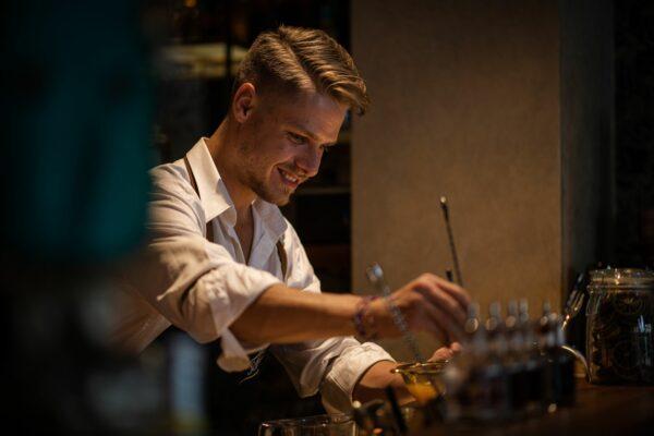 Barkeeper Joey Gleitsmann