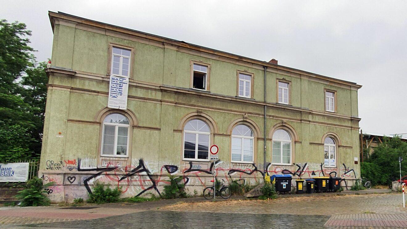 Blaue Fabrik in der Grünen Villa