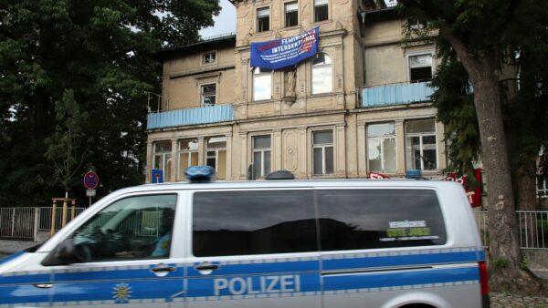 Kurz nach 18 Uhr rückte die Polizei wieder ab.