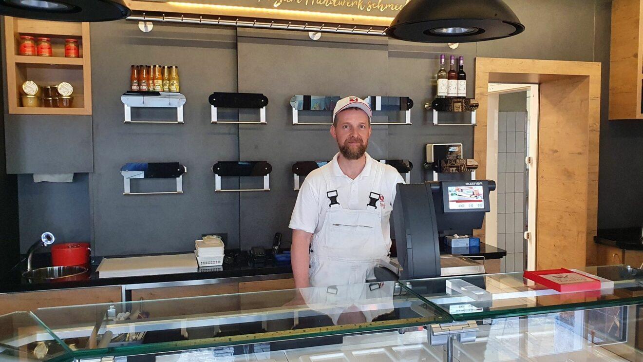 Im frisch renovierten Laden - Fleischermeister Martin During