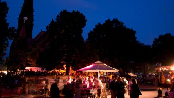 Umsonst & Draußen findet dieses Jahr wieder an der Garnisonskirche statt. Foto: Philipp Lindenau
