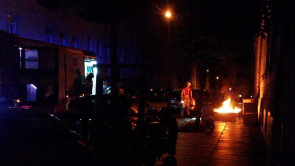 An mehreren Stellen hat es an der Sebnitzer Straße in der Nacht zum Sonntag gebrannt.