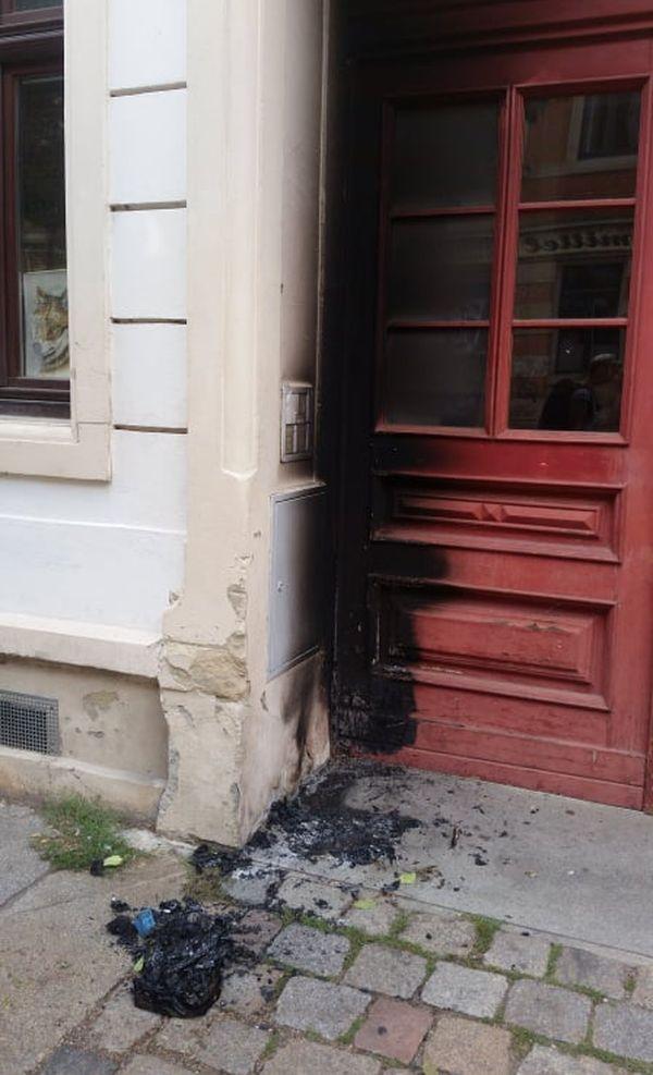 Was vom Feuer übrig blieb. Foto: Pinselbube