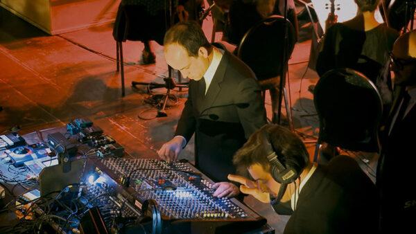 A Symphony of Noise - im Thalia