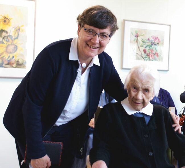 Oberin Esther Selle mit Schwester Margarete Herold