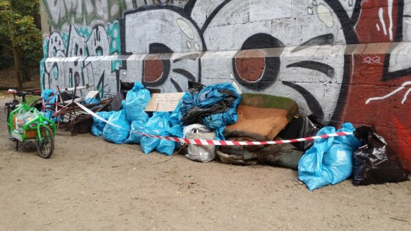 Im vergangenen Jahr wurden in wenigen Stunden mehrere große Mülltüten voll gesammelt. Foto: BUND
