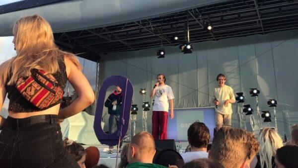 01099 beim Konzert am Elbufer